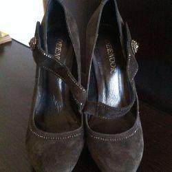 Φυσικά σουέτ παπούτσια