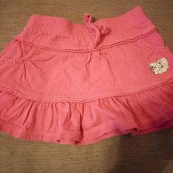 Îmbrăcăminte pentru o fată de 2-3 ani