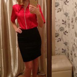 Красная атласная женская блуза М