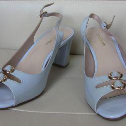 37 Cavaletto sandals