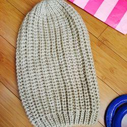 Нова шапка Bershka