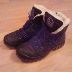 ICEBERG boots new