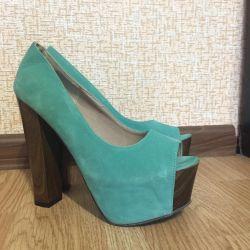 Platform shoes and heels