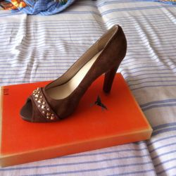 Shoes, 39r leather, not used
