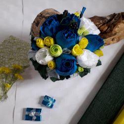 Квіти в шляплой коробці