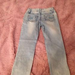 Продаются женские летние джинсы б/у.