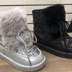 New winter boots for girls