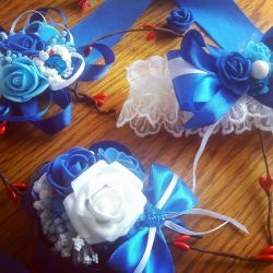 Boutonnieres and a garter