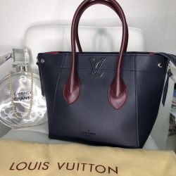 Bag Louis Vuitton leather new