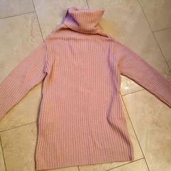Πουλάω ένα πουλόβερ