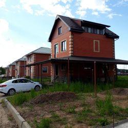 Коттедж, 240 м²