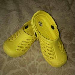 Slates, Crocs