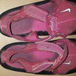 Nike sandals for girl