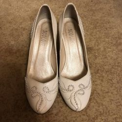 Wedding shoes p. 39