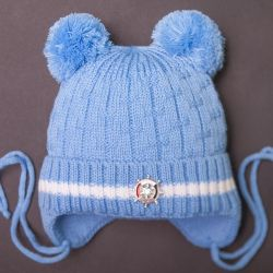 Kiti. Bebek için yeni kış şapkası