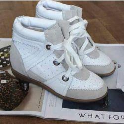 Pantofi noi de primavara
