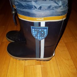 Rubber boots with a warm lining
