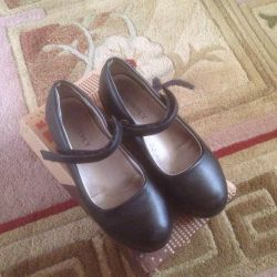 Shoes for girls size 32