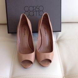 Corso como sandals shoes