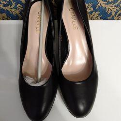 Κλασικά νέα παπούτσια