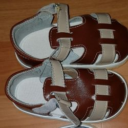 NEW brown sandals 135 size