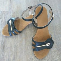 Sandals 36r for a girl