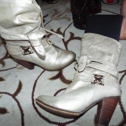 Χειμερινές μπότες, 40
