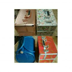 Suitcases and bags for craftsmen