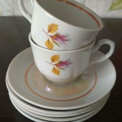 Fincan tabağı ve 2 bardak