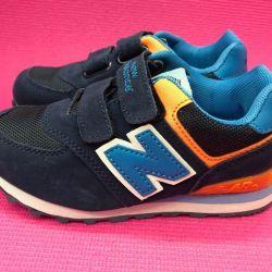Новые стильные кроссовки (яркие) в ассортименте