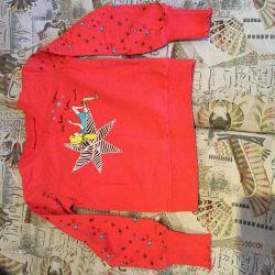 Sweatshirt for a girl