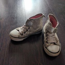 Sneakers p. 24