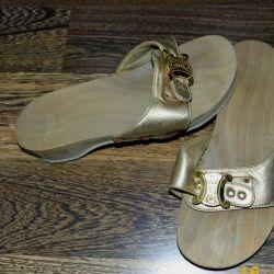 Сланці р.35-36 на дерев'яній підошві