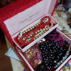 Sacuri pentru bijuterii
