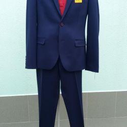 Чоловічий костюм