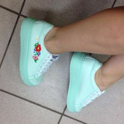 Sneakers new!