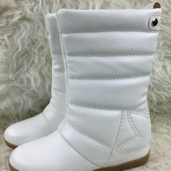 Boots. 35