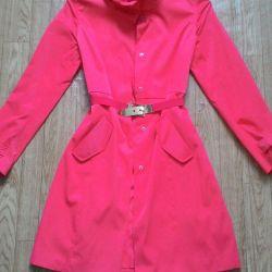 Autumn-spring raincoat 44-46.