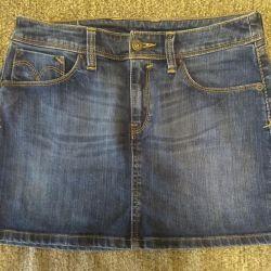 Σύντομη φούστα τζιν, 44 μεγέθη. Levis