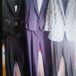 Новые костюмы брючные и с юбкой
