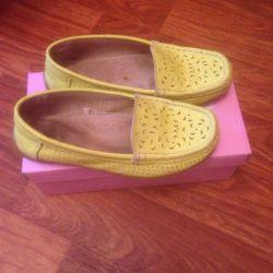 Туфли для девочки размер 33