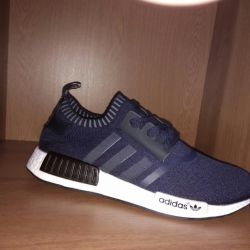 Summer breathable sneakers