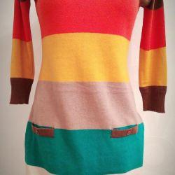 Sweatshirts, a lot.