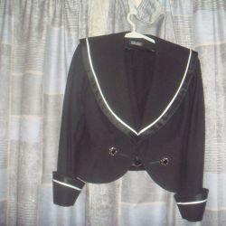 Дизайнерский костюм.Пиджак и шорты