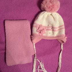 Kız için kış şapkaları