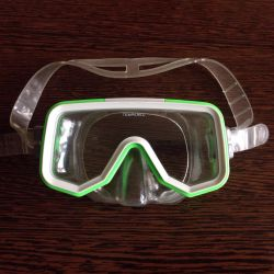 Professional mask for snorkeling for children