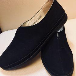 Women's shoes р 38-39