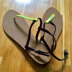 Zara flip flops new