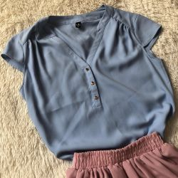 Blouse. Any 5 summer things for 1000₽.