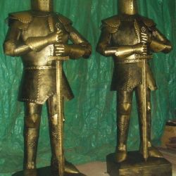 Ortaçağ Şövalyeleri heykelleri